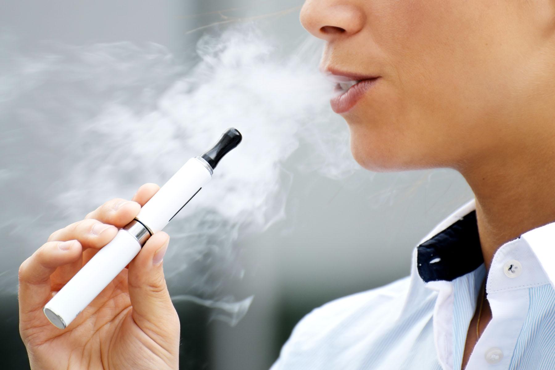 Αποτέλεσμα εικόνας για electronic cigarette
